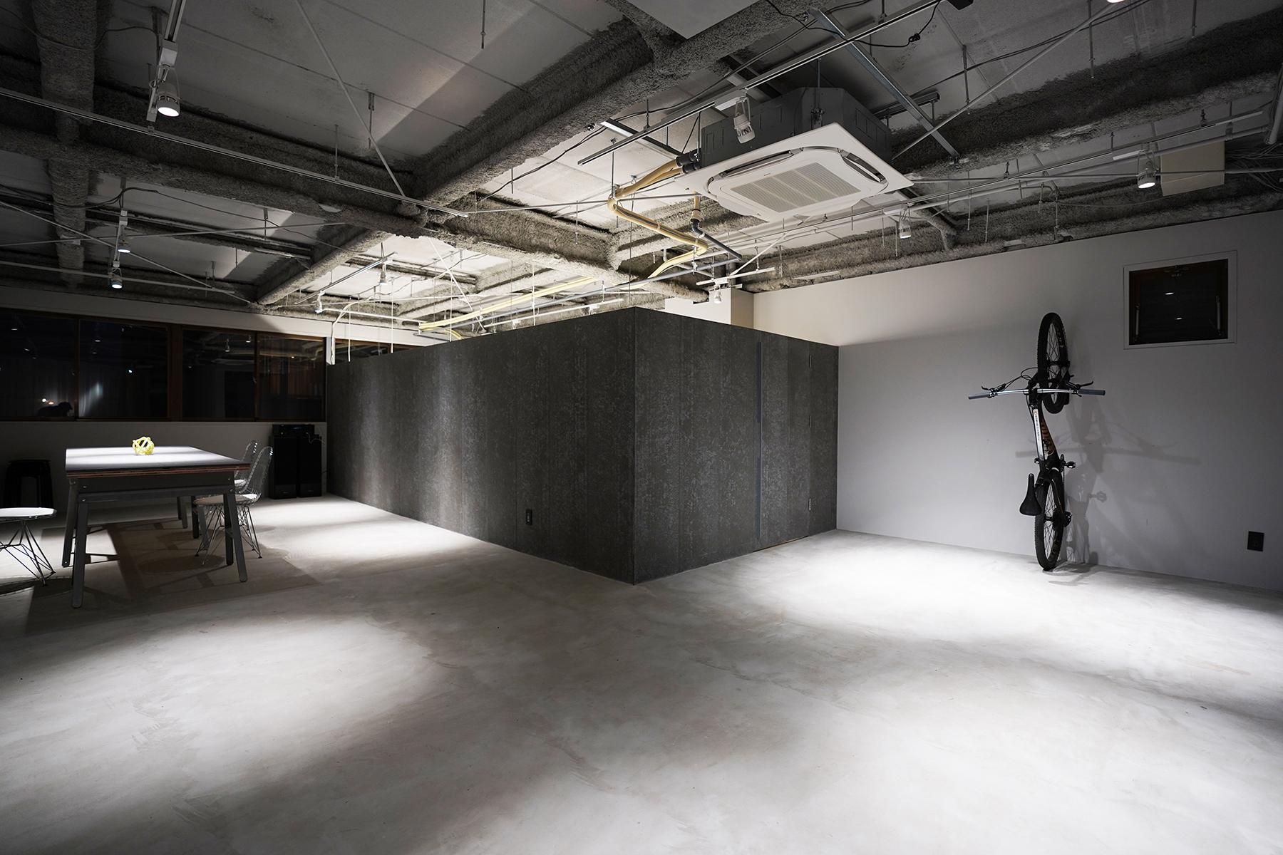 MULTIPUL studio.